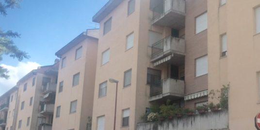 V.le Manzoni 105 mq con terrazzino e box di 27 mq
