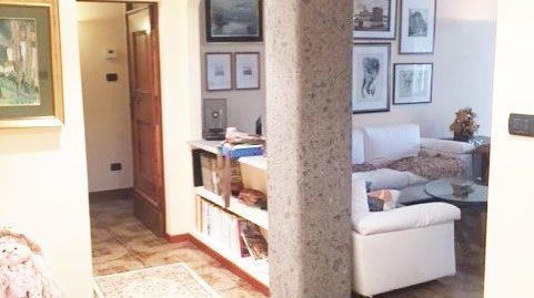 Zona Vazzieri Via Pirandello 163 mq ristrutturato con box
