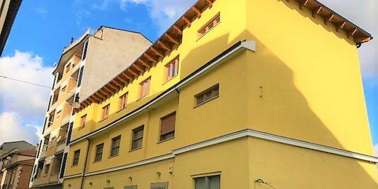 Pieno centro inizio via Garibaldi ristrutturato 105 mq con posto auto e soffitta