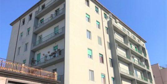 Zona semi-centrale alla Via Duca D'aosta 95 mq con cantina