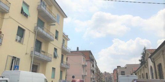Nuda proprietà viale M. Bologna di 150 mq con due terrazzini, cantina e due box