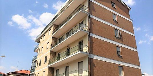 Via D'Amato 140 mq panoramico servito di ascensore e soffitta