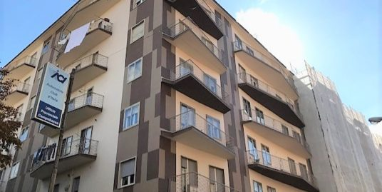 Zona Centro via Cavour 120 mq con cantina