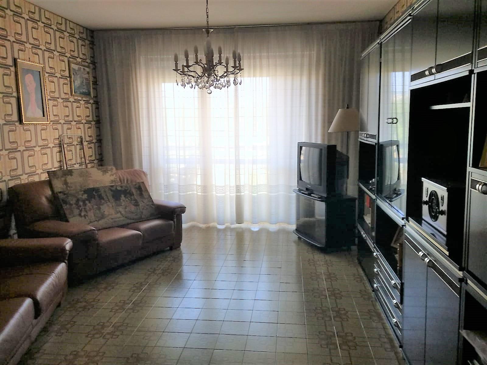 Via San Giovanni 140 mq con garage e cantina