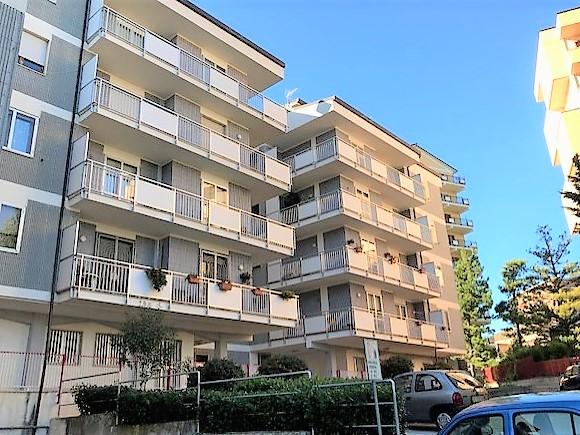 Via lombardia 130 mq diviso in due unità immobiliari