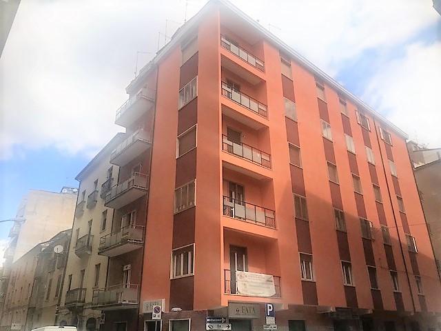 Centro via Zurlo con ascensore 143 mq con soffitta