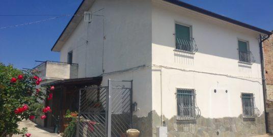 Zona Mascione villa singola di 150 mq con box e cantina