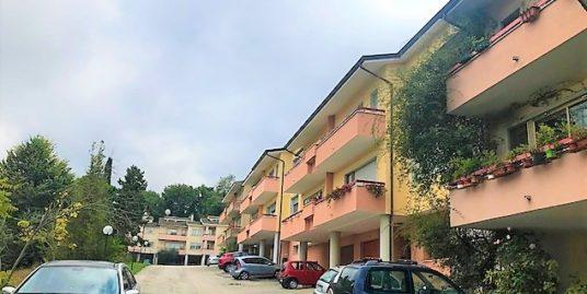 Vazzieri villa di 250 mq con giardino e box