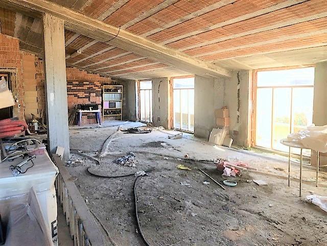 Appartamento in villa da completare vicino viale Manzoni
