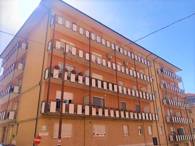 Via Conte Rosso 150 mq con cantina e soffitta
