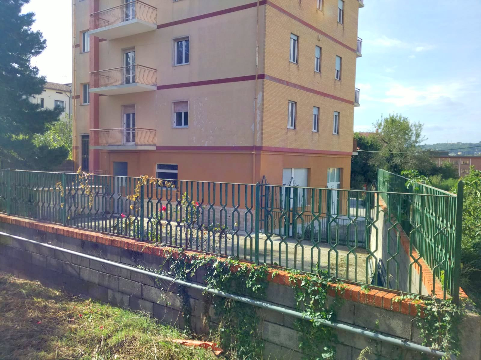LOCALE COMMERCIALE – VIA PIAVE