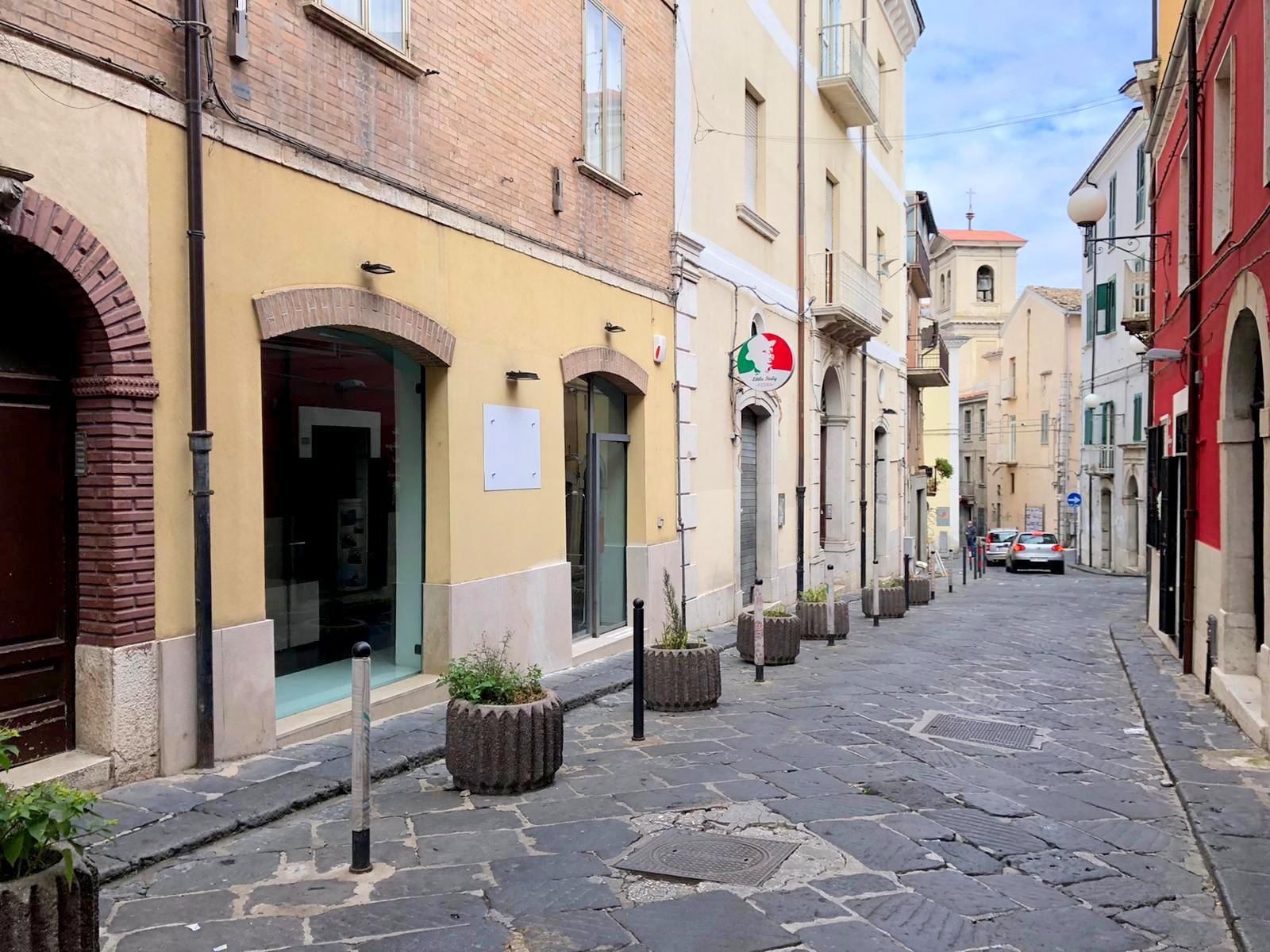 LOCALE COMMERCIALE – VIA ROMA