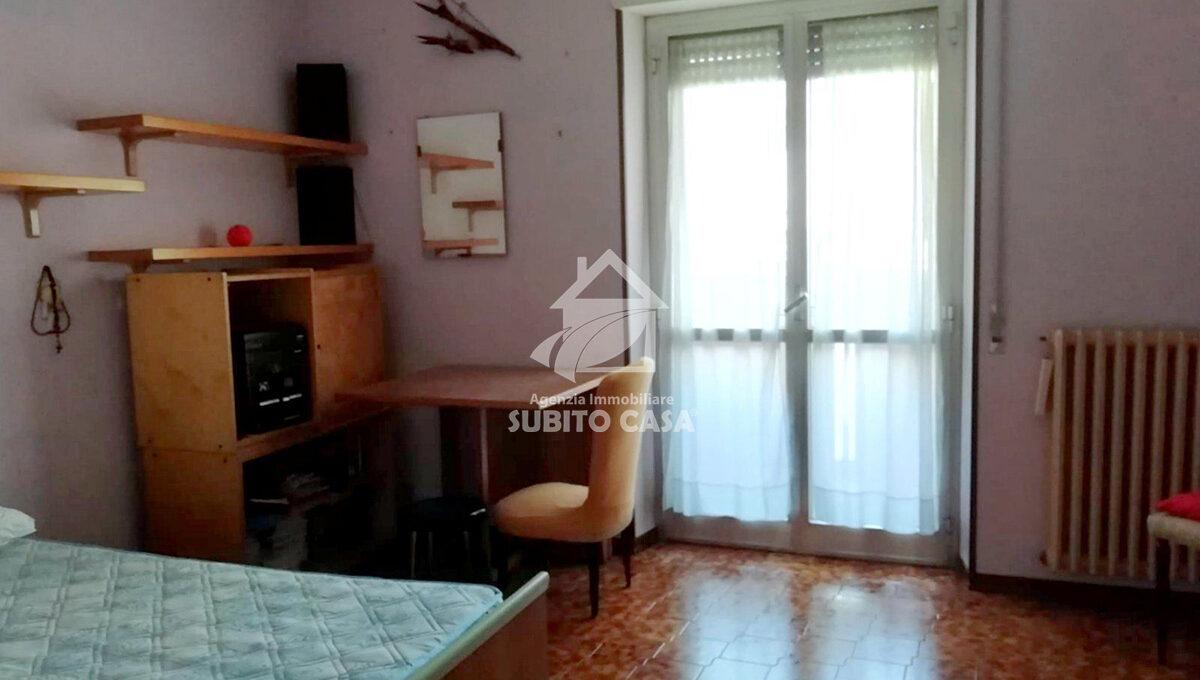 Cb-Via Pirandello33219