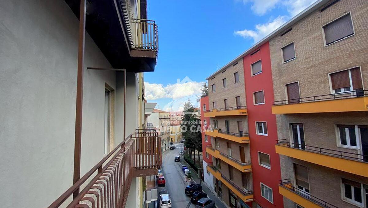 Cb-Via Zurlo 153217