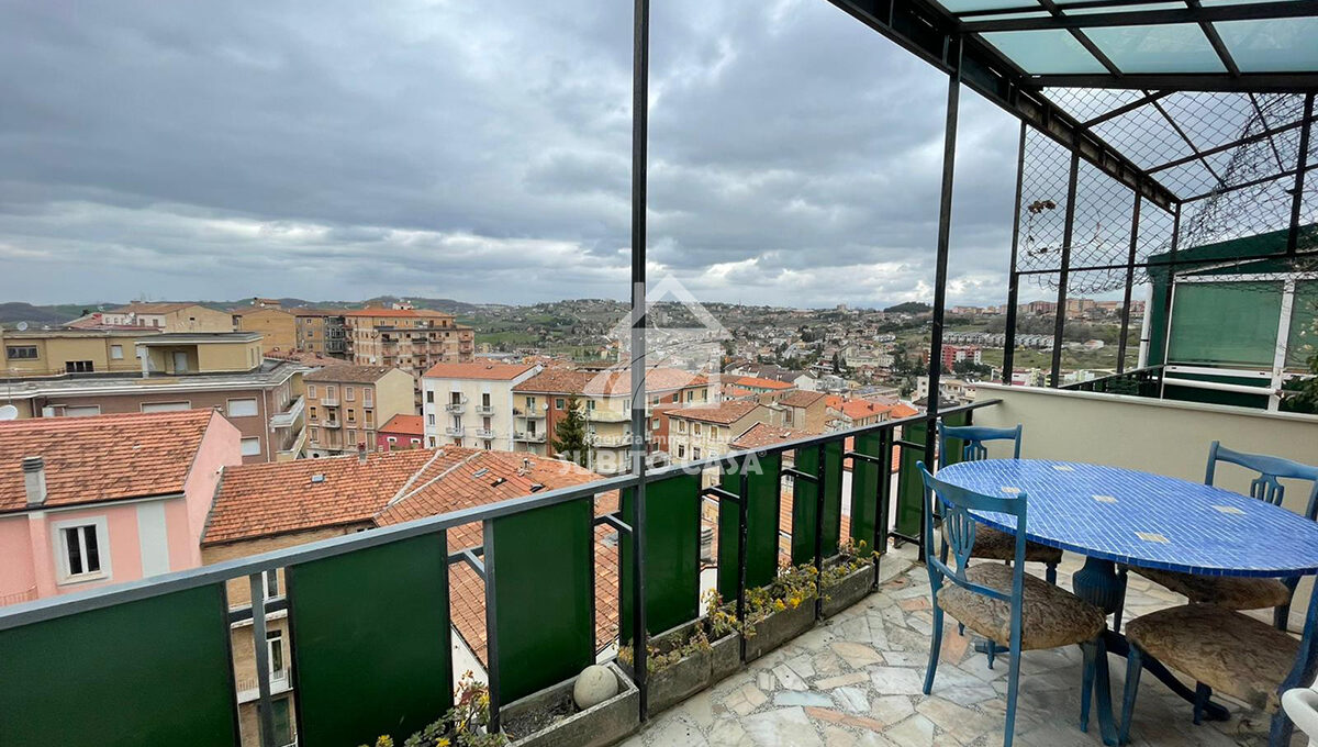 Cb-Via Cardarelli 94215